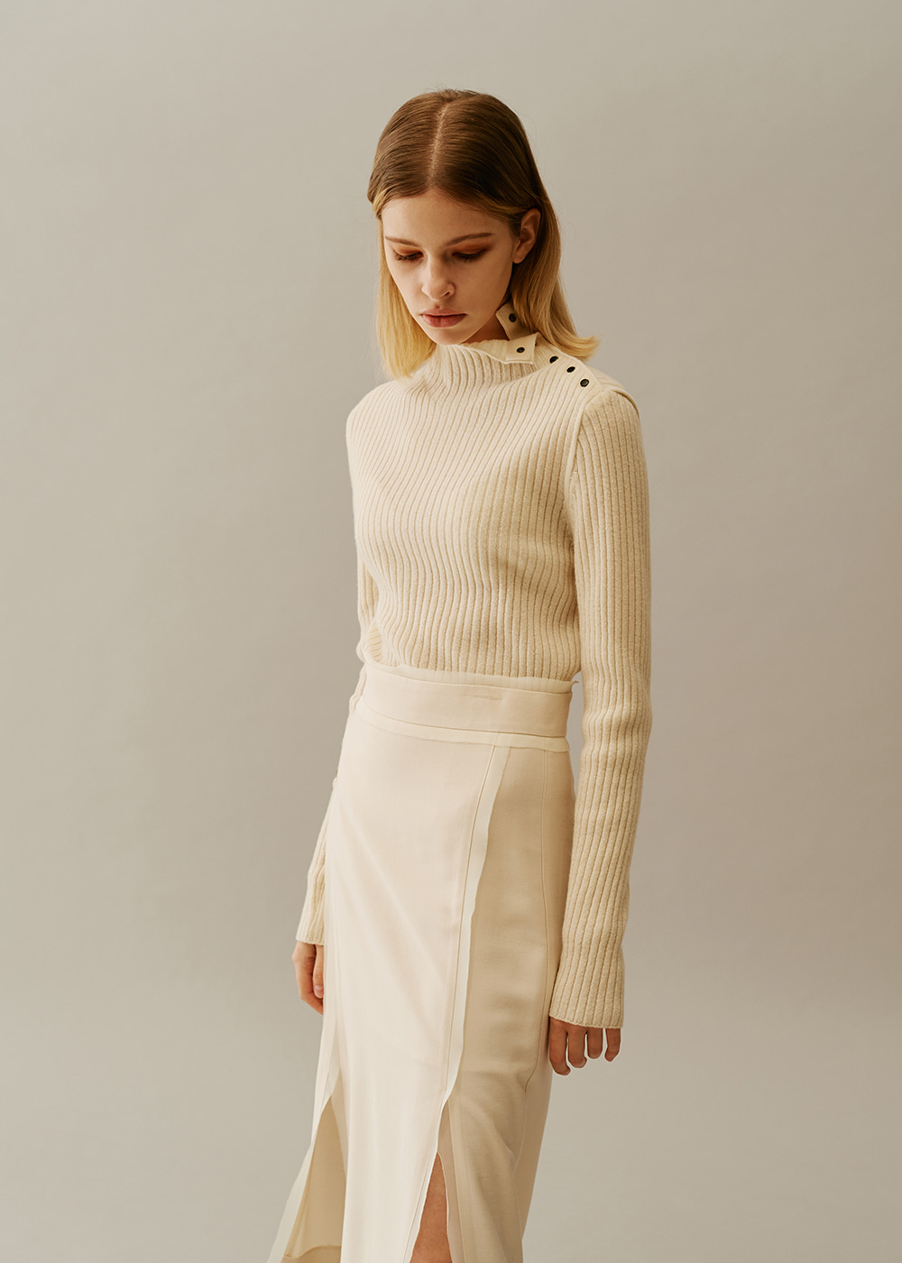 Neck Snap Closure Wool Pullover IVORY